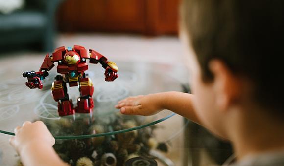 Vernetztes Spielzeug: Neuer Folder mit Tipps für Eltern